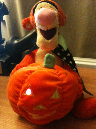 Tigger with flashing pumpkin